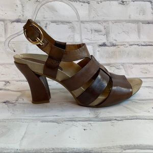 Earthies Ventura heeled sandals size 9.5 ginger